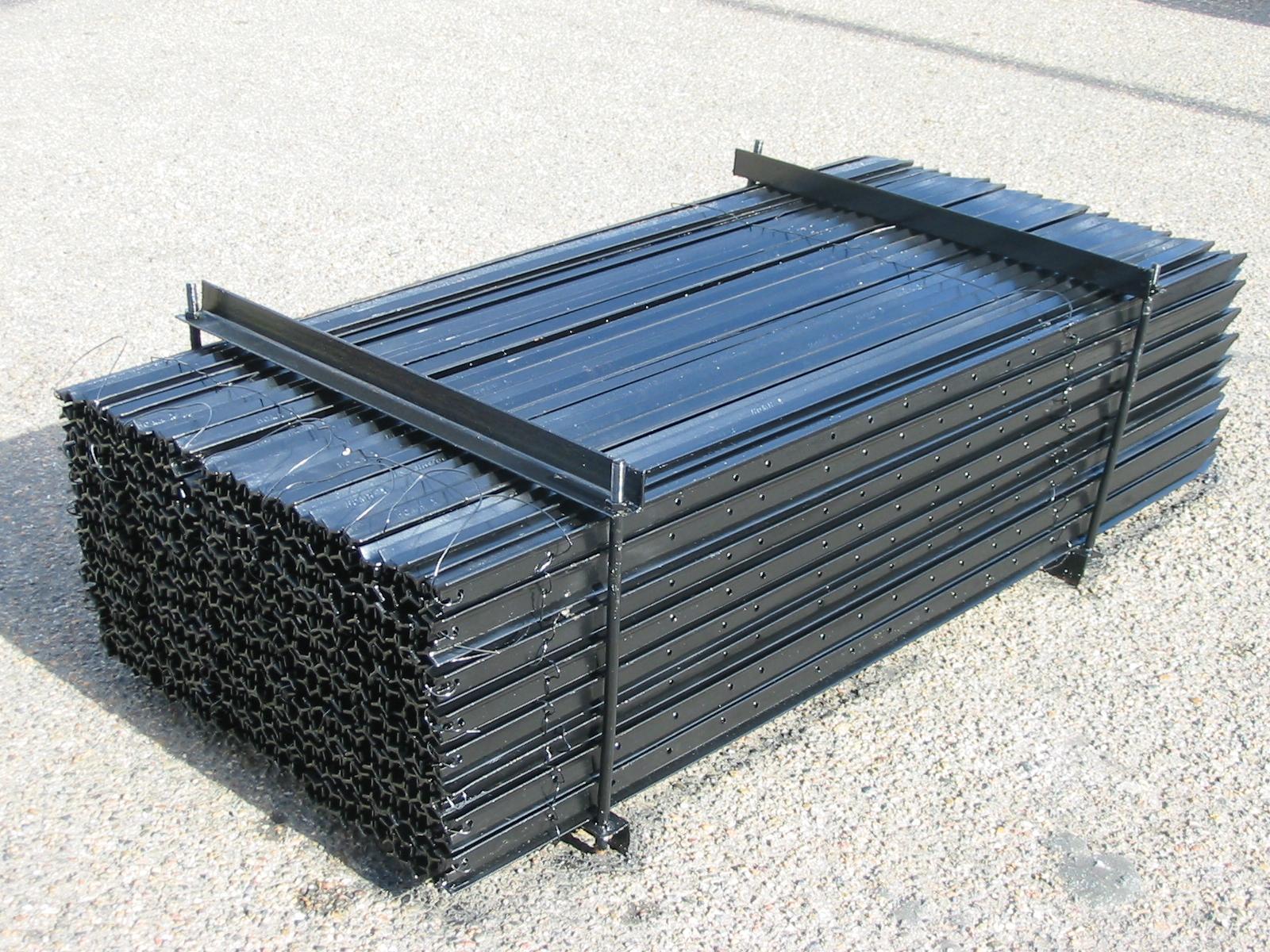 Black Steel Star Posts 1800mm